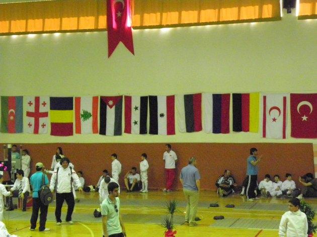Pays participants (G à D) : Azerbaïdjian, Géorgie, Roumanie, Liban, Jordanie, Syrie, Egypte, Bulgarie, Russie, Allemagne, Chypre du Nord, Turquie