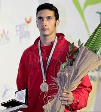 Alaaeldine Elsayed, médaille d'or du championnat du monde junior de fleuret à Bakou