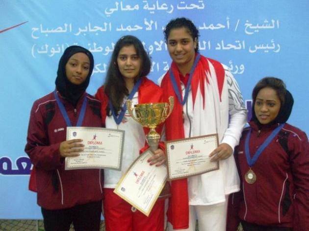 Rita sur le podium du West Asian Senior Fencing Championship - Koweït - mai 2012