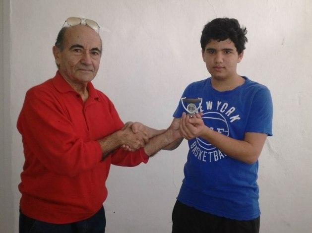 Le Vice-Président de la Fédération Libanaise d'Escrime (FLE) Souhail Saad félicite Antoine Oneissi