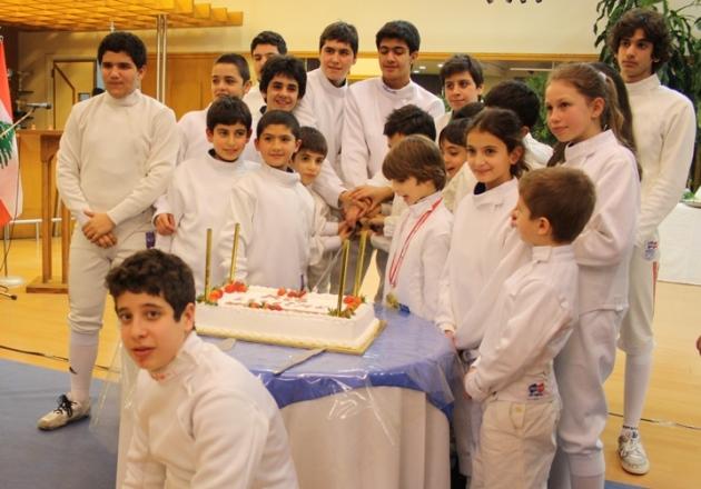 Les Jeunes champions coupant le gâteau - Mont La Salle - 25 jan 2014
